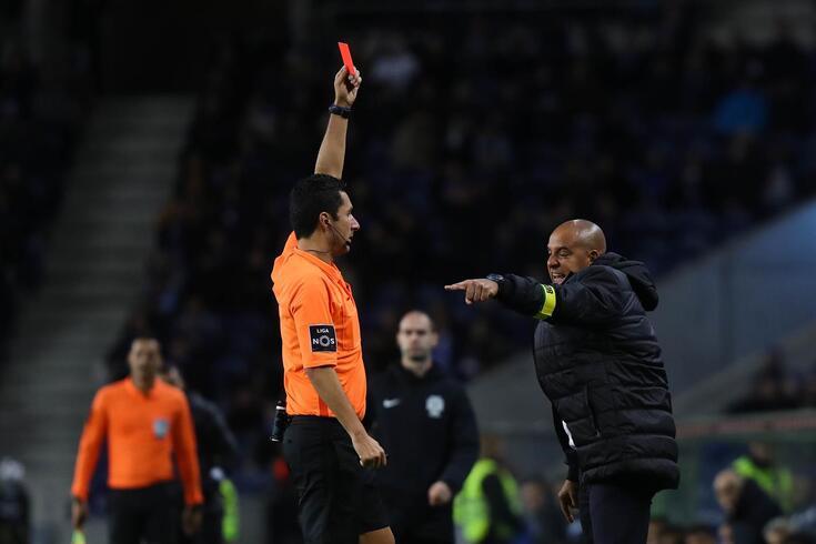 Tribunal O JOGO: um penálti a menos e um cartão discutível no FC Porto-Paços de Ferreira