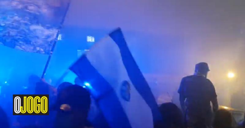 FC Porto recebido em festa, Marega confrontado e incêndio à vista