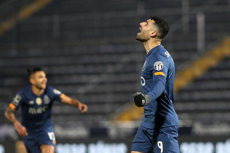Taremi bisou no Famalicão-FC Porto