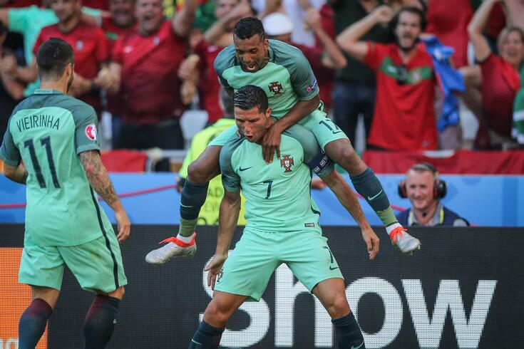 Nani num dos grandes momentos vividos na Seleção com Ronaldo