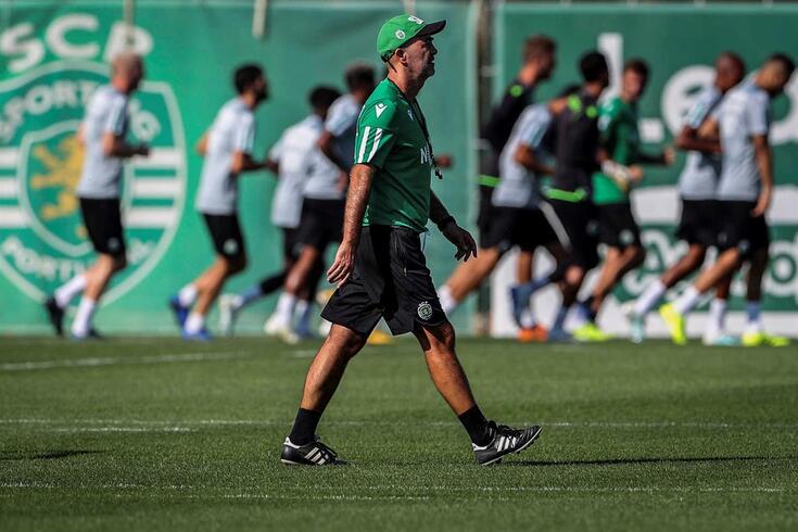 Leonel Pontes transmitiu mensagem aos jogadores no arranque da nova era no Sporting