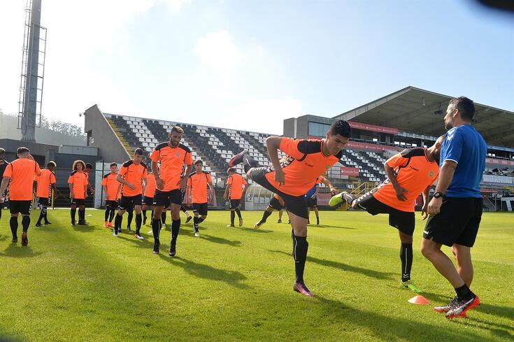 Nacional atualiza venda de ingressos e deixa alerta sobre adereços do Benfica