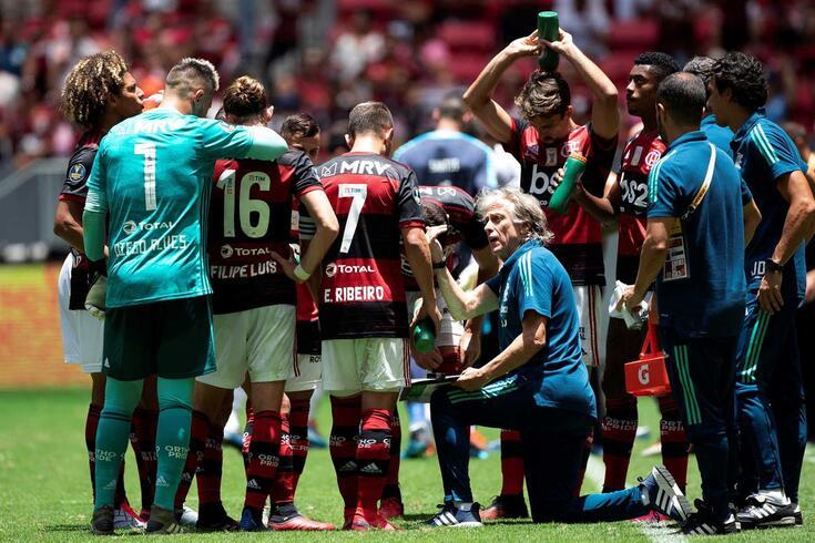 Jorge Jesus dá indicaçãoes na Supertaça do Brasil.