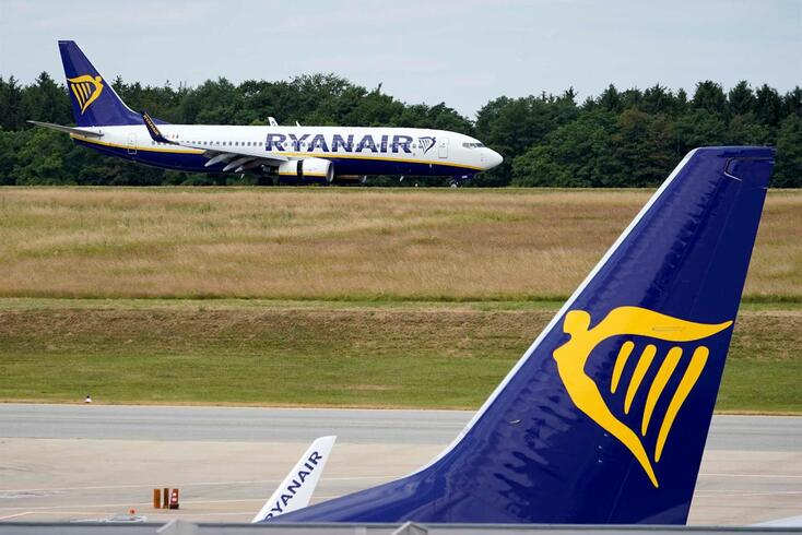 Ryanair fecha no aeroporto de Faro