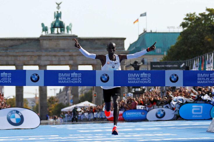 Eliud Kipchoge bate recorde mundial da maratona