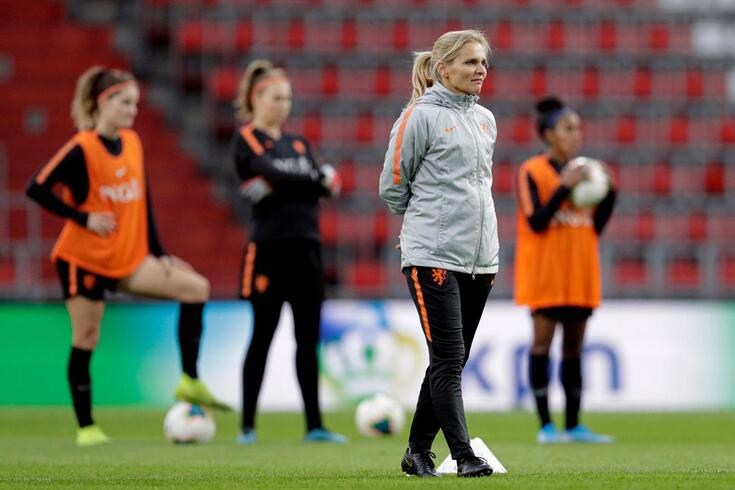 Seleção feminina de Inglaterra deve apostar... numa holandesa