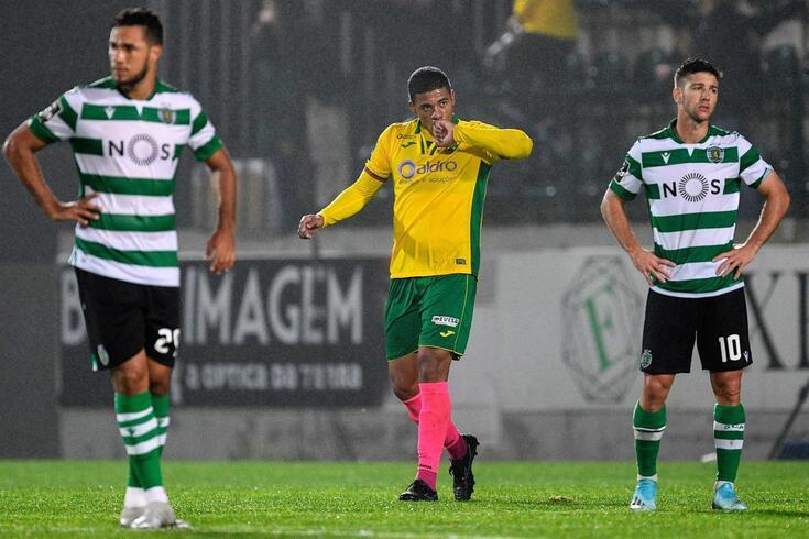 Douglas Tanque marcou o golo do Paços de Ferreira