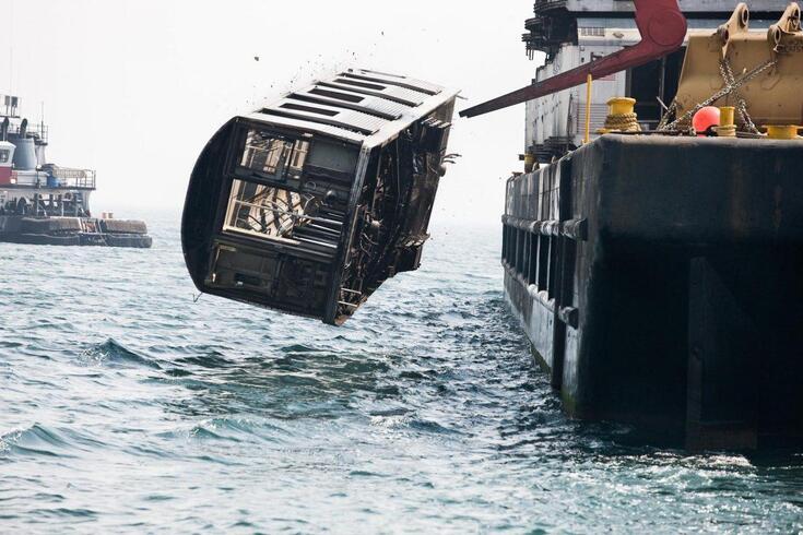 Veja a última viagem das carruagens de comboio transformadas em recife