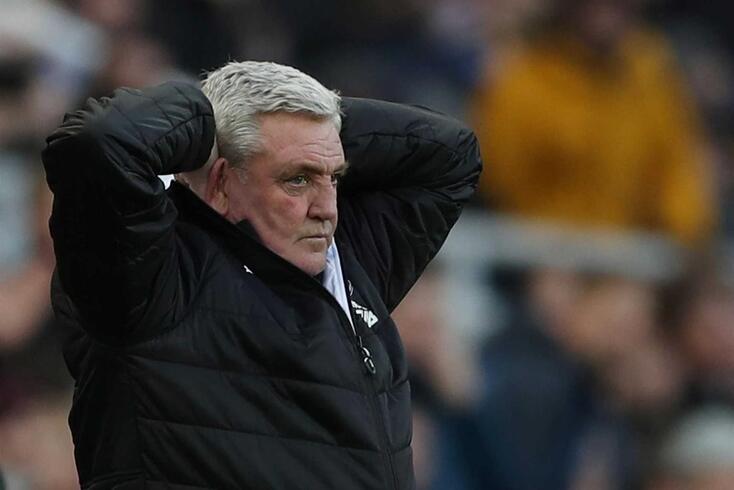 Steve Bruce, treinador do Newcastle