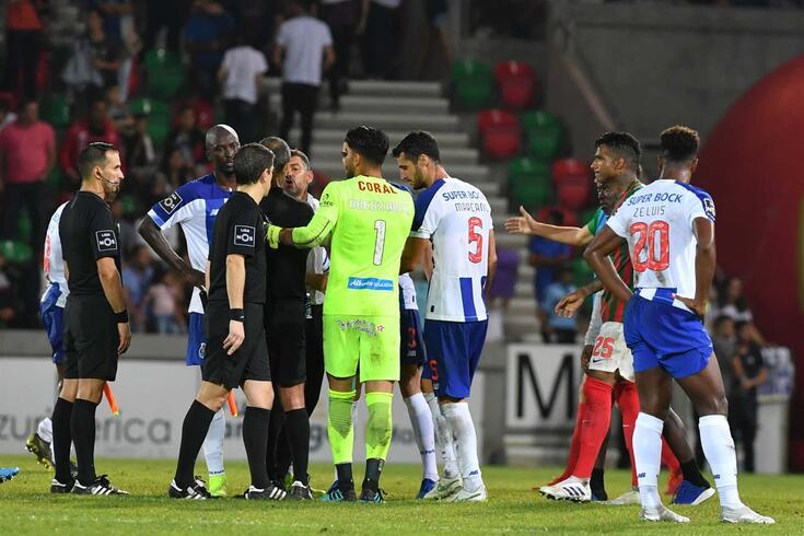 FC Porto e Marítimo multados pelo CD da FPF