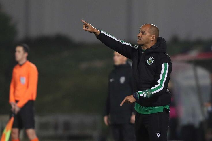 Silas, treinador do Sporting.