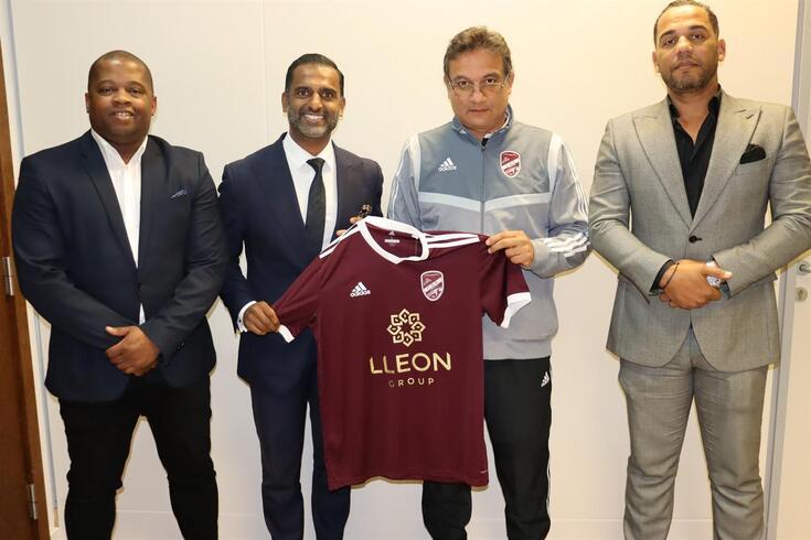 Akil Momade, segundo a contar da direita, é o novo treinador do Fátima