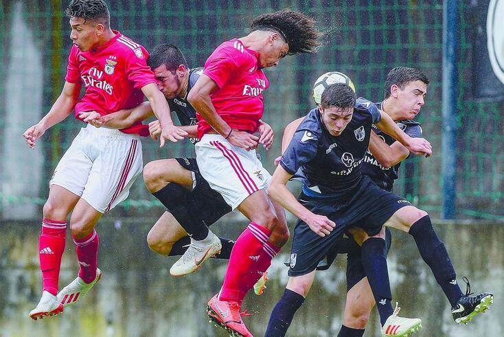 Benfica e V. Guimarães com protocolo