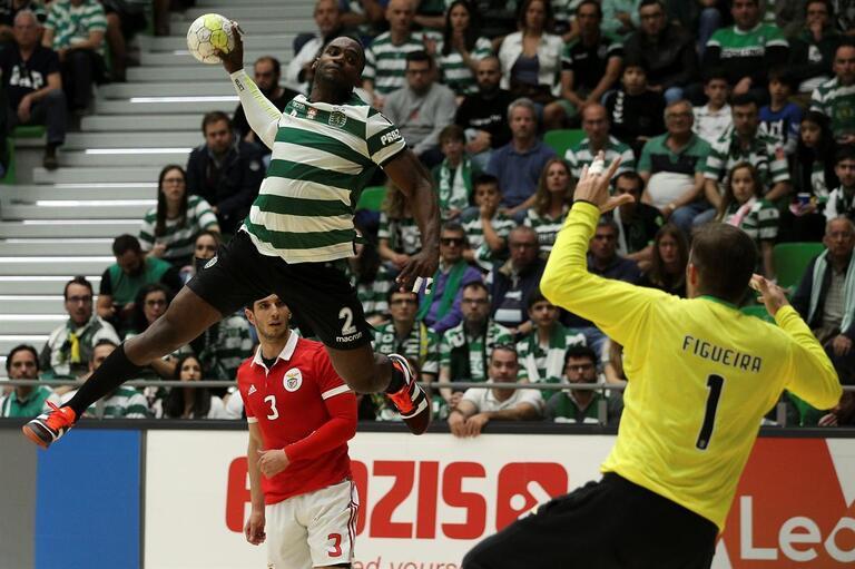 Sporting derrota Benfica e é bicampeão nacional de andebol 1f889f1bce87a