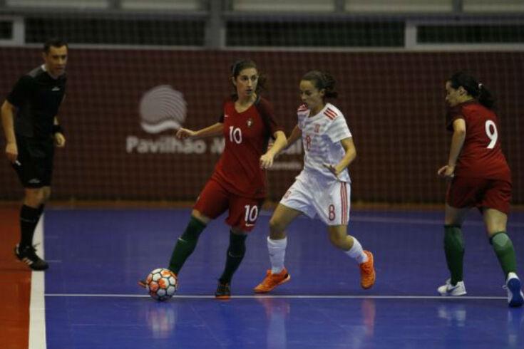 Portugal perde no primeiro de dois jogos com a Espanha