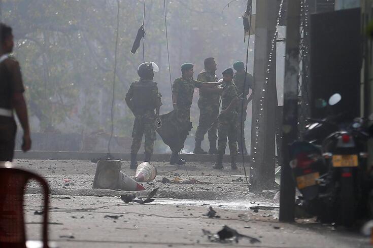 Oito explosões no domingo mataram pelo menos 290 pessoas