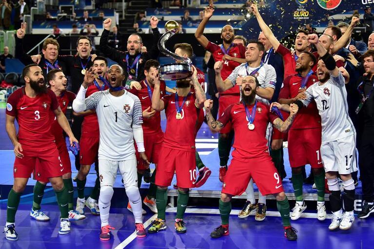 73d9264a63 Matosinhos homenageia campeões europeus