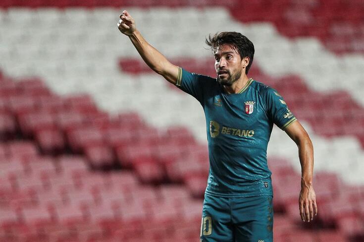 Gaitán mostrou qualidade frente ao Benfica