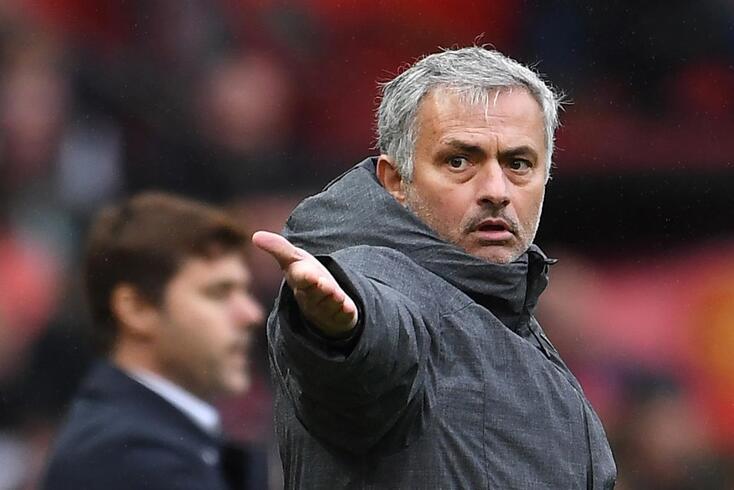José Mourinho diz que não precisa de reforços