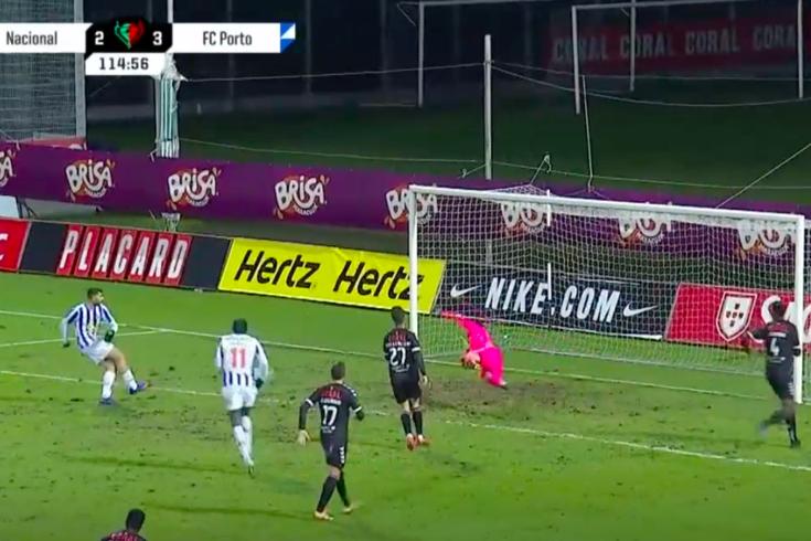 O golo de Taremi que fechou as contas do Nacional-FC Porto