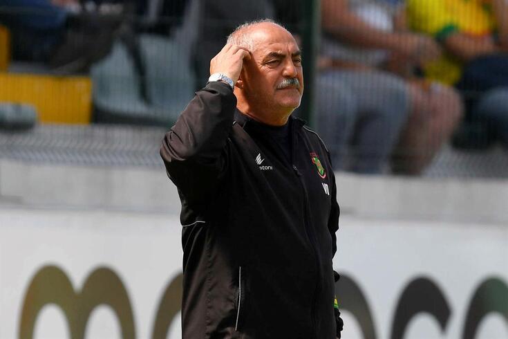 Vítor Oliveira vai regressar à I Liga em 2019/20