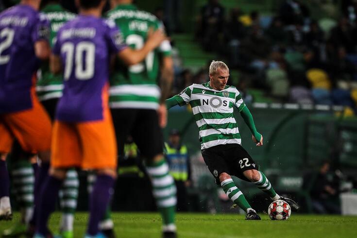 Mathieu esteve em foco na vitória do Sporting