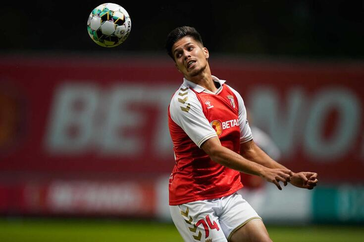 Francisco Moura, lateral que tem deixado excelentes indicações em Braga