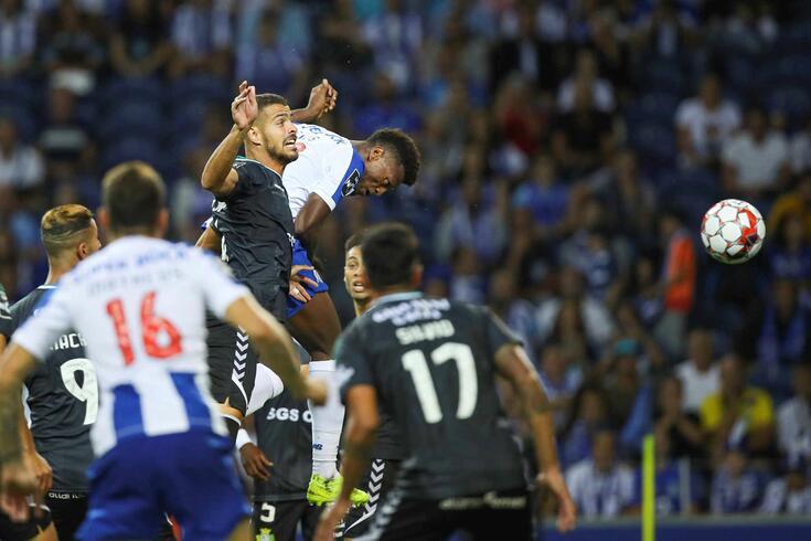 Zé Luís estreou-se com um hat-trick