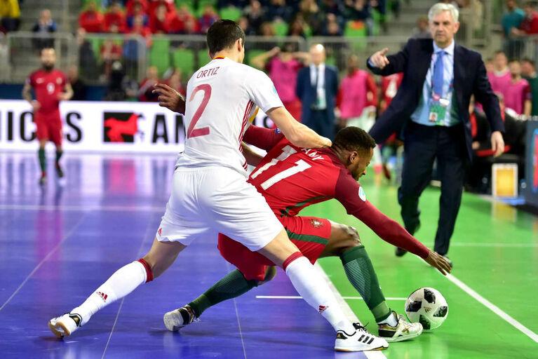 654a5558f1 Alterações nas regras do futsal  FIFA quer cantos marcados à mão