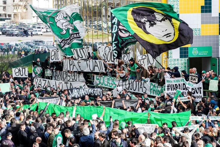 Liderança de Varandas no Sporting tem sido fortemente contestada pelos adeptos