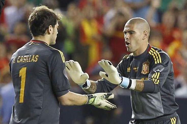 Iker Casillas e Victor Valdés na seleção espanhola