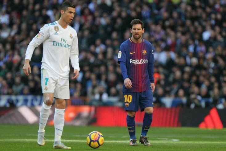 Ronaldo e Messi num Real Madrid-Barcelona, em 2017