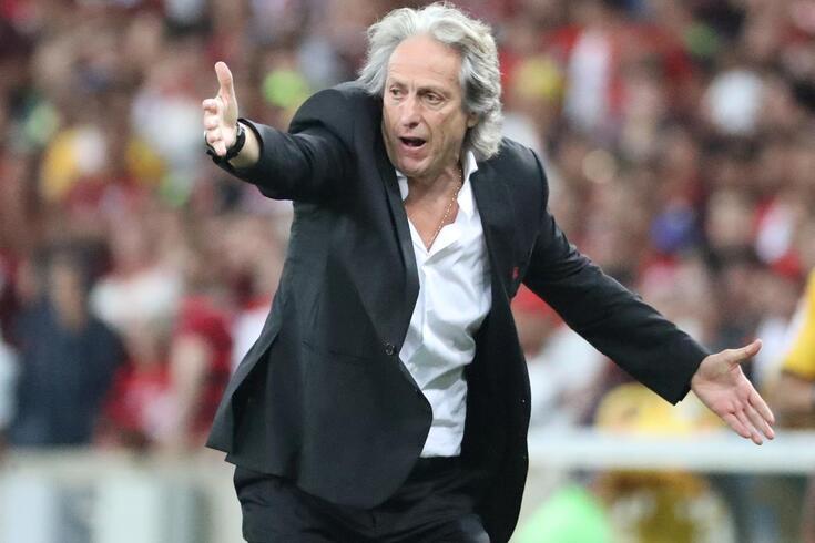 Lendário campeão pelo Flamengo rendido a Jorge Jesus
