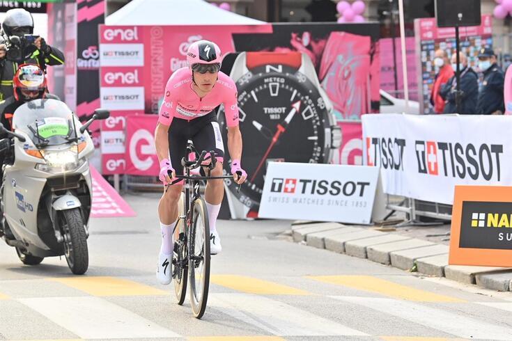 João Almeida, português que lidera o Giro