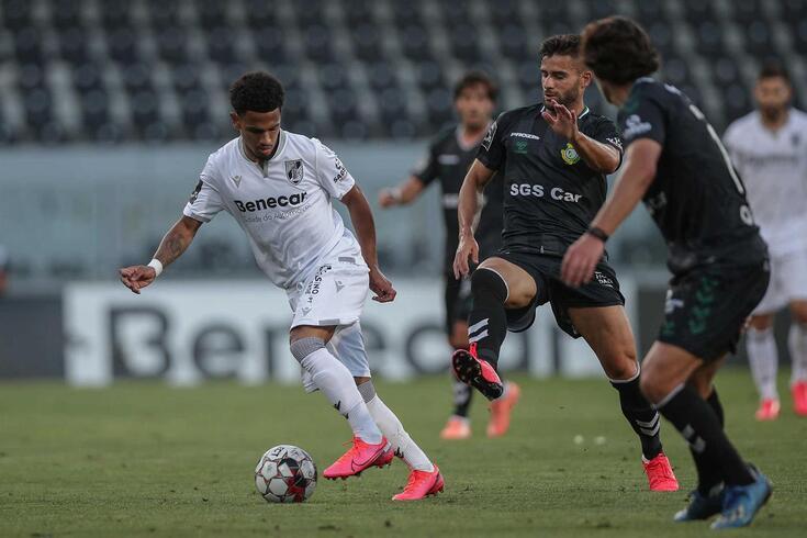 Marcus Edwards, extremo do Vitória, é uma das figuras do plantel de Ivo Vieira