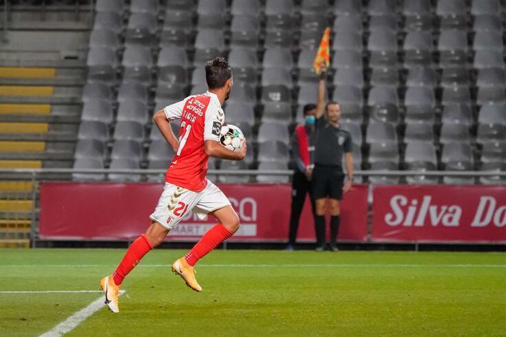 Braga volta a queixar-se da arbitragem