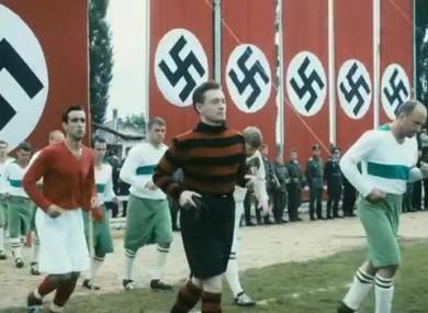 """O jogo de """"Fuga para a vitória"""" foi entre padeiros e cordiais aviadores nazis"""