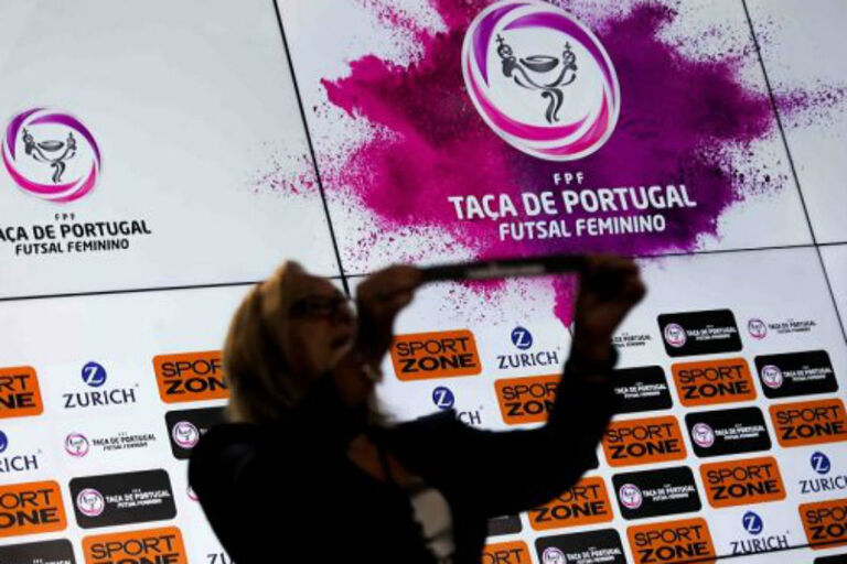 Futsal feminino  clássico na final-four da Taça 78acf453d4933