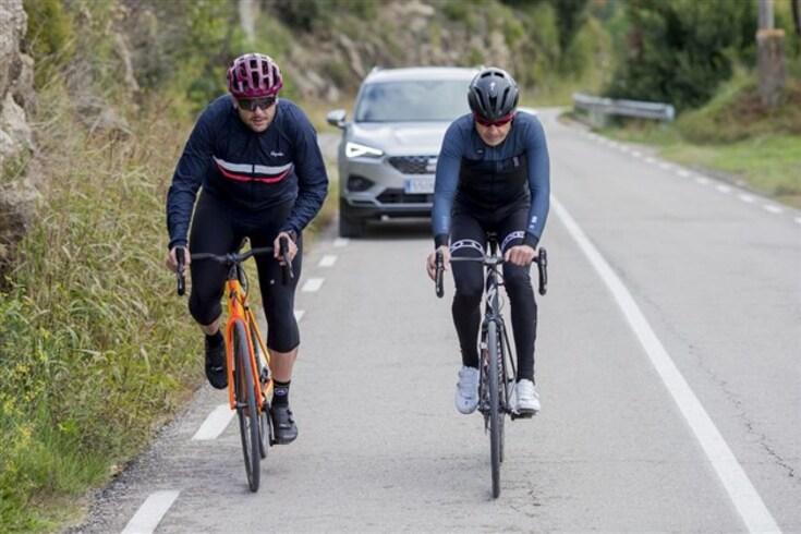 Como a tecnologia nos automóveis pode ajudar a salvar ciclistas