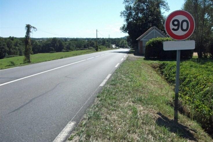Espanha baixa o limite de velocidade nas estradas