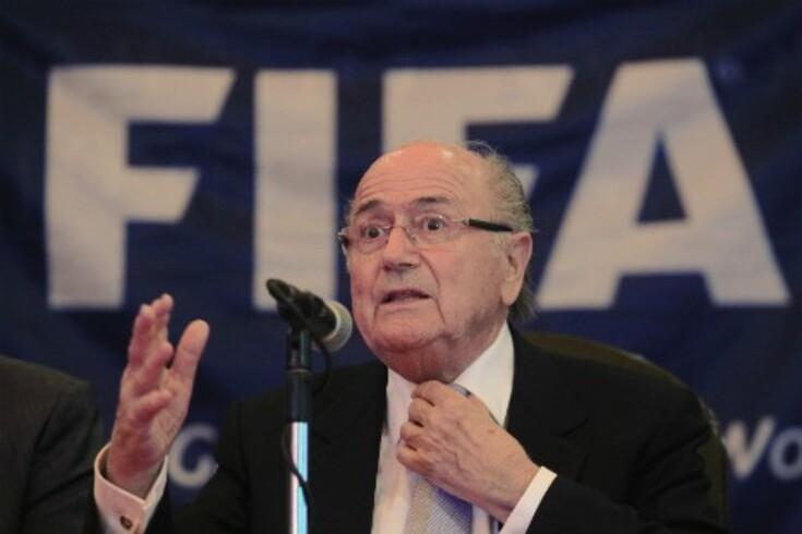 FIFA recua no limite de idade e avança contra o racismo