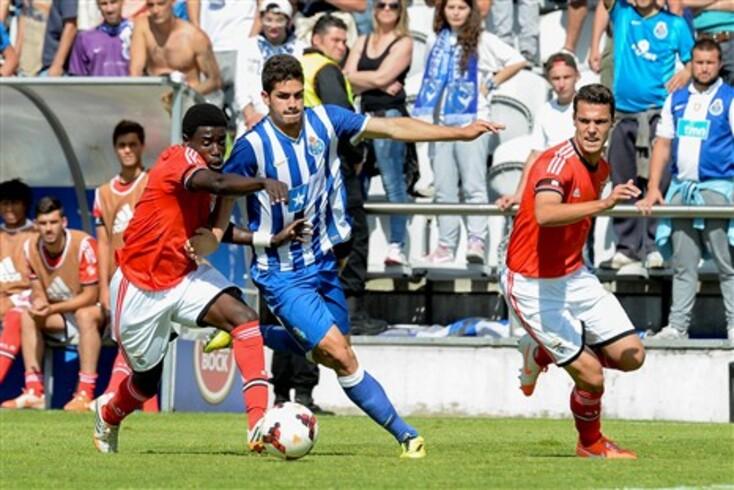 Arsenal e Chelsea atentos a André Silva
