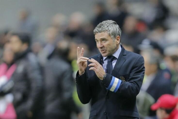 Rui Barros ainda orienta a equipa em Famalicão