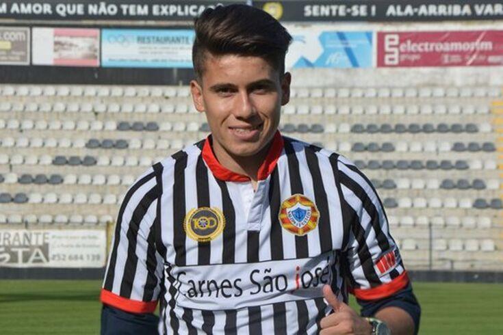 Felipe Villagran é o primeiro reforço do Varzim