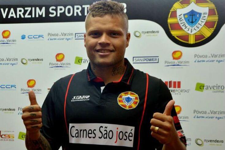 Romário Rodrigues é reforço do Varzim