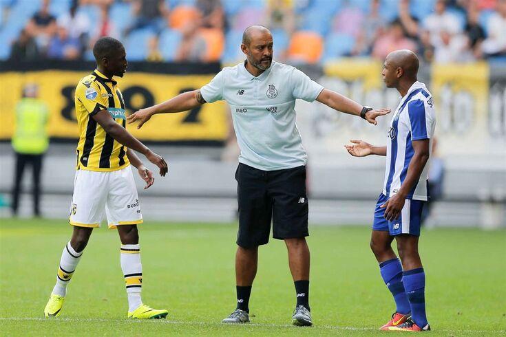 Brahimi fica no FC Porto