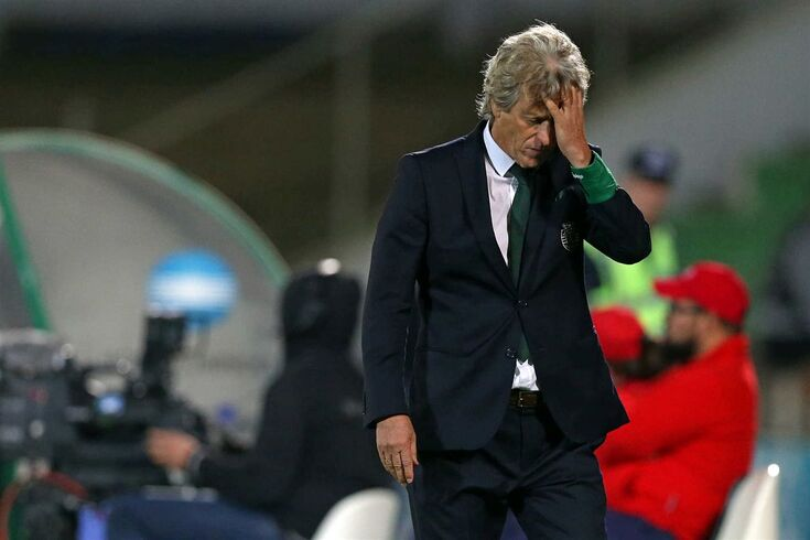Sporting head-coach Jorge Jesus reacts during their Portuguese First League soccer match against Rio