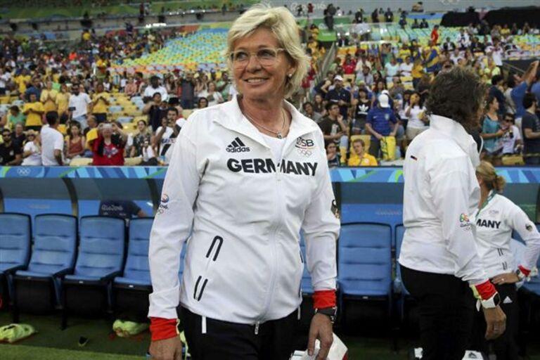 57b18f95ae Os candidatos a melhor treinador de futebol feminino