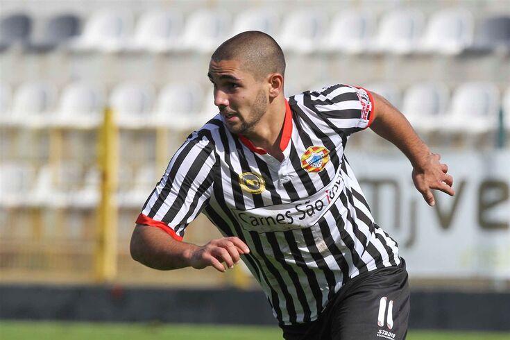Rui Costa, a festejar um golo pelo Varzim.
