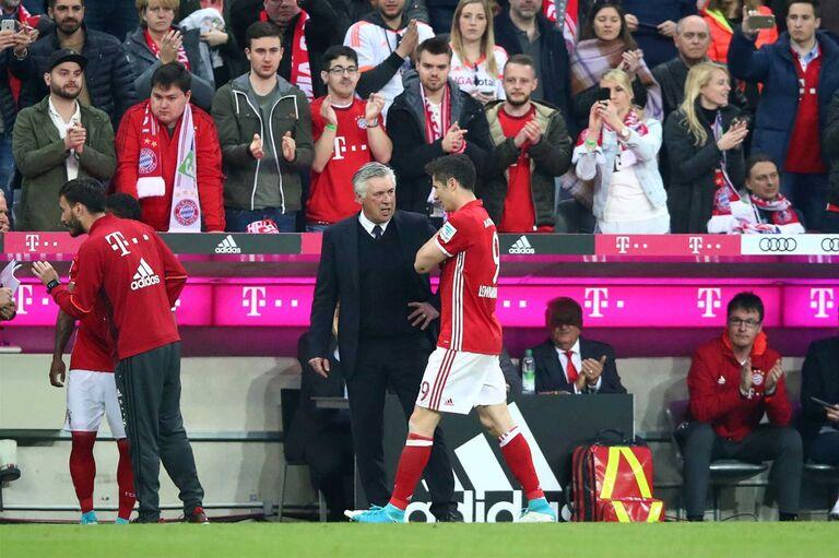 Lewandowski não treinou e preocupa no Bayern 31d5bc80a1f67